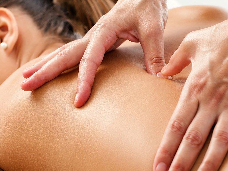 500 din. umesto redovne cene od 1000 din. za 60 min. opuscarontajuće relax masaže eteričnim uljima narandže --Studio S--Jevrejska 13 u Novom Sadu!  Posetite frizersko kozmetički salon --Studio S--i iskoristite popust od 50%   Relax masaža predstavlja spoj dugih kružnih pokreta, stiskanja sa rukama i laktovima, dodatno obogaćena mescaronavinom esencijalnih ulja koja znatno redukuju bol i uspescaronno otklanjaju nakupljenu napetost. Ovom masažom pospescaronuje se mikrocirkulacija i opuscarontanje miscaronića leđa i vrata, uspescaronna je kod razbijanja naslaga mlečne kiseline (čvorića), otklanja se stress i snažno deluje na opuscarontanje svih blokada u telu. Savrscaronen izbor nakon napornog radnog dana ili nakon nekog vrlo stresnog događaja! ________________________________________  U saradnji sa Poscarontama Srbije uveli smo joscaron jedan način plaćanja (PostFin gde možete uplatiti VAUČERE svakim radnim danom kao i Subotom i Nedeljom (npr. poscaronte u Univerexportu do 20h ) i to BEZ PROVIZIJE-vaučer Vam stiže na mail nakon uplate automatski za 10 min.)!