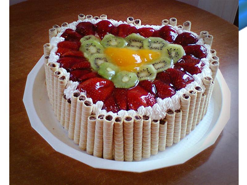 990 din umesto redovne cene od 2250 za tortu po Vascaronem izboru u poslastičarnici ldquoMMIA 1997rdquo Jovana Popovića 52,TELEP u Novom Sadu. Izaberiteizmeđu voćne torte sa jagodama ili sezonskim voćem, jafa torte ili torte japanski vetarili snikers torta ili rafaelo torta. IZABERITE JEDNU od 5 vrsta fenomenalnih torti! POPUSTI 021 u saradnji sa poslastičarnicom ldquoMMIA 1997rdquo su vam pripremili slatku ponudu da obradujete sebe i Vama drage osobe. Za koju god tortu da se odlučite nećete pogrescaroniti jer Vas očekuje poslastica od najboljih sastojaka savrscaronenog ukusa, izgleda i mirisa. U NAJVEĆEM PROCENTU POSLE KUPLJENE PRVE TORTE ZADOVOLJNI KUPCI OBIČNO ISPROBAJU I OSTALE TORTE. Jedna torta je prečnika 26 cm, scaronto je dovoljno za 15 osoba ndash parčadi .Za veće torte možete kupiti viscarone vaučera i spajati ih. Uživajte i prijatno!!!