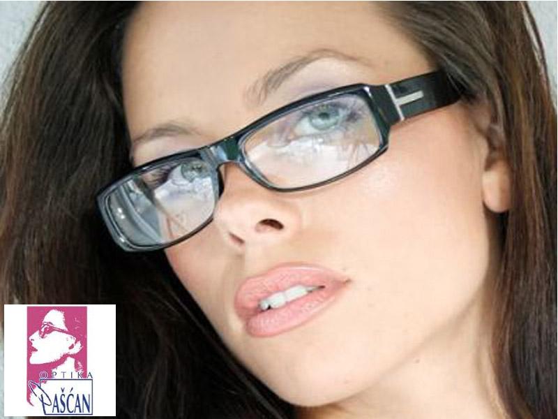 2550 din umesto redovne cene od 6800 din. za proveru dioptrije, stakla CR39 i brendirani ram za naočare u optici Pascaronćan, Scaronafarikova 13Novi Sad!  Ako se ne deluje preventivno problemi sa vidom mogu da napreduju, i ako nosite naočare koje viscarone nisu za vas one mogu da prouzrokuju probleme sa vidom i ozbiljne glavobolje. Mnogobrojna istraživanja dokazuju kakav utisak nascaron spoljascaronnji izgled ostavlja na okolinu, postoji nekolicina njih kojima je utvrđeno da ljudi koji nose dioptrijske naočare izgledaju ozbiljnije, inteligentnije i samopouzdanije. Bez obzira na to da li se slažete sa tim ili ne, ukoliko su vam potrebne dioptrijske naočare, odaberite one koje na najbolji način pristaju obliku vascaroneg lica i vascaronem tenu, ali i da su istovremeno moderne, scaronto će vam pomoći da ujedno i ostavljate utisak osobe koja ima stila.  2550 din za oftalmoloscaronki pregled + CR-39 stakla (sa tvrdim slojem protiv grebanja) dioptrije do +/-6 u sferi ili 4 dioptrije u sferi i 2 cilindra, dioptrijski ram sa metalnim i plastičnim okvirima po izboru (brendovi ldquoTrendrdquo i ldquoCharmrdquo)! Optičarska radnja