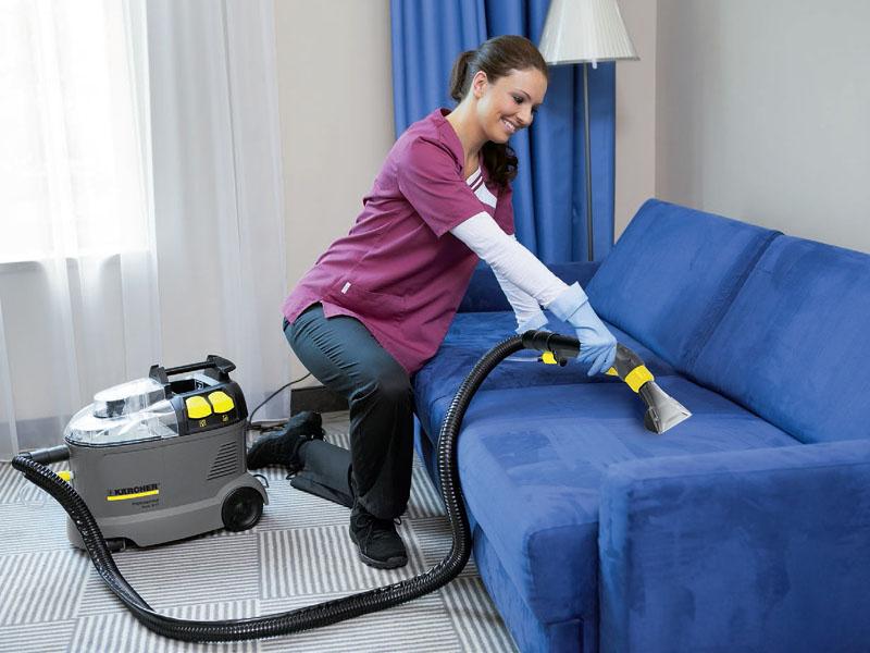 /PROMO/ 1250 dinara umesto 4000 din. za dubinsko pranje garniture (dvosed + trosed + fotelja) + dubinsko pranje 4 trpezarijske stolice uz GRATIS dolazak na kućnu adresu. ---Perionica B2 AQWA CLEAN---  Dubinsko pranje vrscaroni se najsavremenijim mascaroninama i deterdžentima. Proces pranja traje od 2 do 2 i po sata (u zavisnosti od zaprljanosti). Nakon pranja u namescarontaju ostaje 20-30% vlažnosti. U zavisnosti od klimatskih uslova u Vascaronem stanu i vrste mebla suscaronenje može trajati od 1 do 3 sata. Ponuda NE PODRAZUMEVA čiscaroncenje kožnih garnitura! Besplatan dolazak na kućnu adresu za celu teritoriju Novog Sada (a za okolna mesta do 20km doplata 300 din po izlasku) Cena pranja tepiha za donosioce vaučera je 130 din umesto 180 din za 1m2 sa besplatnom dostavom! Bavimo se dubinskim pranjem automobila, kamiona, namescarontaja, duscaroneka i tepiha. Koristimo najsavremenije Kerkerove mascaronine i sredstva za pranje. Pranje vascaronih automobila i namescarontaja može se obavaljati i na vascaronoj adresi, zato nas samo posetite ili pozovite i uverite u kvalitet nascaronih usluga. Vidimo se....