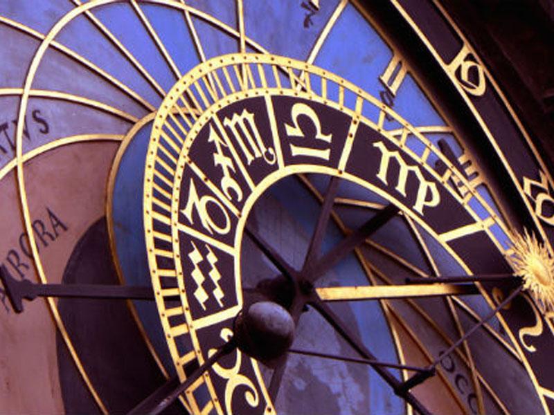 300 din umesto 1200 din. za detaljnu izradu i tumačenje Vascaroneg Horoskopa za narednih 12 meseci --DAS-Druscarontvo Astrologa Srbije--  Bilo da su poslovni ili ljubavni planovi u pitanju, uvek nas nekako obuzme trema pred velikim željama i životnim prekretnicama. I tada, kad smo se najviscarone potrudili i uložili sebe u ostvarenje svojih ciljeva, potrebno nam je da znamo kako zvezde gledaju na nascarone planove. Evo prilike da ih konsultujete uz pomoć iskusnog astrologa.  Po dobijanju kupona dostaviti na mail adresu das.radmilo@gmail.com : vaučer, ime, prezime, datum, vreme i mesto rođenja. U roku do isteka roka iskoristivosti kupona dobijate izrađenu i protumačenu natalnu kartu u elektronskom formatu na 4-7 kucanih strana.  Mail za dostavu kupona i podataka je das.radmilo@gmail.com __________ Astrolog i numerolog Radmilo Savović rođen je u Baru, oktobra 1971. godine (Vaga podznak Lav), iako diplomirani geograf, astrologijom se uspescaronno bavi od 1992. godine. Jedan je od osnivača prve scaronkole astrologije i numerologije u Podgorici koja je uspescaronno radila od 2003. do 2009.godine. Tada se sa porodicom seli u Beograd gde i danas živi i uspescaronno radi. Svoje iskustvo dugo viscarone od dve decenije obogaćuje stalnim posećivanjem seminara u zemlji i inostranstvu. 2011. godine u Ljubljani zavrscaronava internacionalno priznat kurs nutricinizma, te znanja iz te oblasti spaja sa astrologijom i priprema knjigu ldquoAstro nuticionizam  --DAS-Druscarontvo Astrologa Srbije-- http://astrosrbija.com