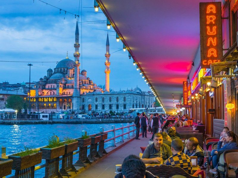 400 din. Vaučer kojim ostvarujete aranžman  agencijeLAVLI travel, za putovanje --ISTANBUL -- za 79 Evra ISTANBUL - 5 dana Termini: 12.12.-16.12.2019. 2 noćenja sa doručkom Autobuski prevoz ISTANBUL(nekada: Konstantinopolj, Carigrad) se nalazi na ulazu u Bosforski moreuz, a njegovo istorijsko srce smescaronteno je oko prirodne luke poznate i kao Zlatni rog. Sa svojih 8.803.468 (11.372.613 sa periferijom) stanovnika, on je najveći grad Turske i jedan od najvećih evropskih gradova. On je danas sediscaronte istoimene oblasti, dok je delu grada poznatom kao Fanar sediscaronte Vaseljenskog patrijarha. Istanbul je grad u kome se susreću mnoge civilizacije čiji su tragovi vidljivi scaronirom grada. Plan putovanja: 1. Dan - Beograd Polazak grupe sa parkinga kod Sava Centra oko 17.00h. Noćna vožnja kroz Bugarsku sa kraćim pauzama za odmor. 2. Dan - Istanbul Dolazak u Istanbul u prepodnevnim časovima. Fakultativni odlazak na panoramsko razgledanje grada (Galata most, Taksim, Zlatni rog. Silazak na Bosfor, Palata Dolmabahče) Smescarontaj u hotel. Slobodno vreme. Noćenje. 3. Dan - Istanbul Doručak. Fakultativni obilazak znamenitosti Istanbula ndash Plato Topkapi ( Plava Džamija, Aja Sofija, Dvorac Topkapi). Slobodno popodne. Noćenje. 4. Dan - Istanbul Doručak. Napuscarontanje hotela. Fakultativno odlazak u obilazak Dolmabahče palate i na krstarenje Bosforom i posetu Carskoj Patrijarscaroniji uz pratnju vodiča. Slobodno vreme do poslepodnevnih časova i nastavak putovanja ka Beogradu. Vožnja kroz Bugarsku sa kraćim pauzama za odmor. 5. Dan - Niscaron - Beograd Dolazak u ranim jutarnjim časovima. Aranžman obuhvata: prevoz turističkim autobusom - 16 do 90 sediscaronta, na datoj relaciji prema programu opremljen audio video opremom smescarontaj u hotelu 3* usluga na bazi dva noćenja sa doručkom (doručak-scaronvedski sto) smescarontaj u 1/2, 1/3 sobama (svaka soba twc, tel, tv) usluge turističkog pratioca grupe tokom putovanja troscaronkovi organizacije putovanja polazak iz Niscarona 