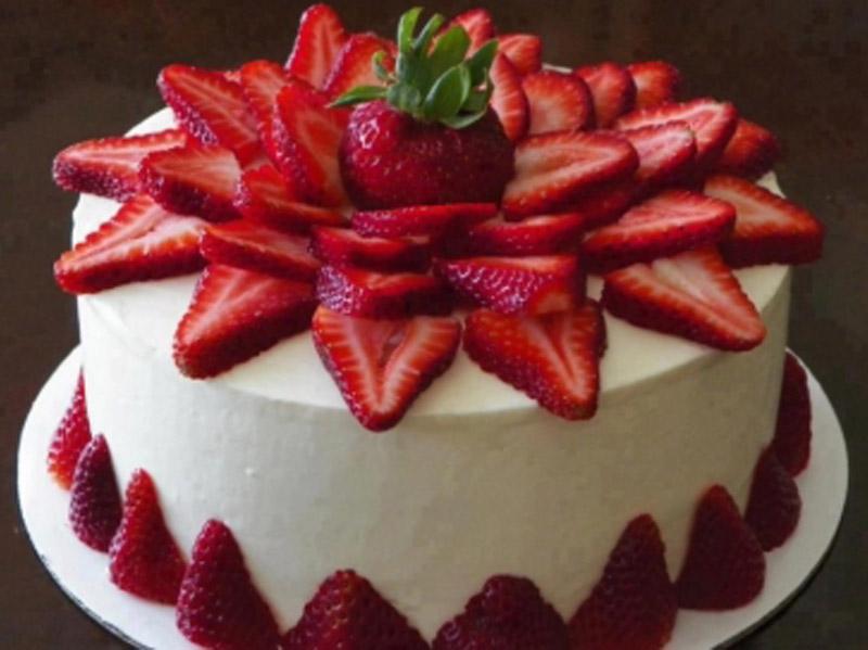 1150 din umesto redovne cene od 2000 za 2(dva) kg torte po Vascaronem izboru u poslastičarnici ldquoOsmi kontinentrdquo Sentandrejski put 97 u Novom Sadu.Izaberite Scaronvarcvald, Markizu, Snikers, Cheese cake, Čoko scaronnit ili posna čokoladna torta sa malinom ili viscaronnjom. IZABERITE JEDNU od6 vrsta fenomenalnih torti ! POPUSTI 021 u saradnji sa poslastičarnicom ldquoOSMI KONTINENTrdquo su vam pripremili slatku ponudu da obradujete sebe i Vama drage osobe.Za koju god tortu da se odlučite nećete pogrescaroniti jer Vas očekuje poslastica od najboljih sastojaka savrscaronenog ukusa, izgleda i mirisa. U NAJVEĆEM PROCENTU POSLE KUPLJENE PRVE TORTE ZADOVOLJNI KUPCI OBIČNO ISPROBAJU I OSTALE TORTE.Bilo je slučajeva da su sladokusci naručili svih 6 različitih vrsta. Torte su težine 2 kg. okruglog oblika prečnika 26 cm, scaronto je dovoljno za 15 osoba ndash parčadi . Dekoracija po želji se dodatno naplaćuje. Mogučnost spajanja vaučera u veće TORTE.  Uživajte i prijatno!!! U asortimanu poslastičarnice ldquoOSMI KONTINENTrdquo možete naći razne vrste sitnih kolača, sladoled na točenje, scaronirok izbor torti svih oblika i dekora po želji i ukusu. Za slave, praznike, veselja, svadbe ili jednostavno da se zasladite! Zadovoljni kupci su nascarona najbolja reklama! Posetite nas i uverite se sami u kvalitet i dobre ukuse!