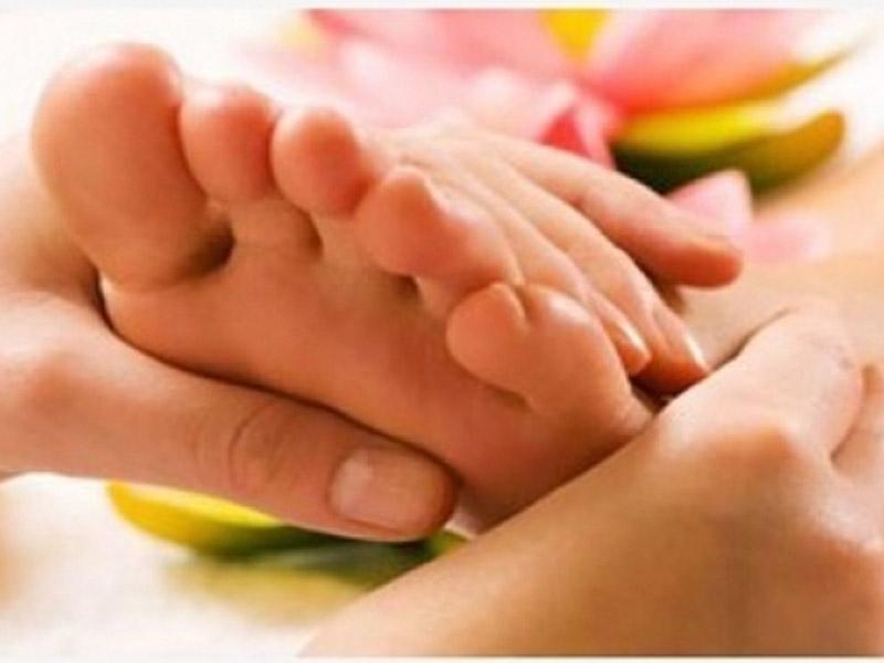 500 din.-za parcijalnu masažu ili refleksologiju stopala u trajanju od 30-45 minuta uStudiju lepote