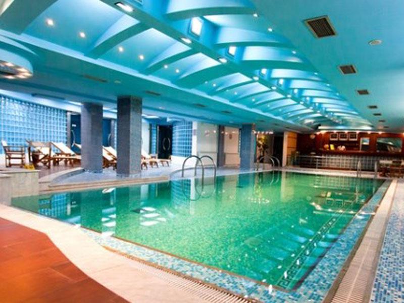 990 din. umesto redovne cene od 2100 din. za 2h koriscaronćenje bazena i saune + pedikir za jednu osobuu Wellness centru u Hotelu Park*****! ldquoPopusti 021rdquo i Wellness centar hotela